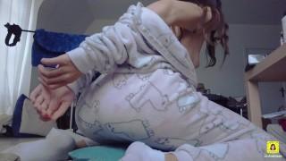 Sexy Teen Webcam Girl Riding Dildo