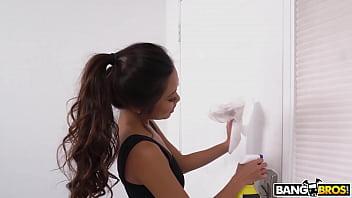 Asian Maid Vina Sky Pussy Fuck For Money