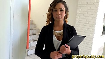 Smoking Hot Realtor Teen Hairy Pussy Fucked By Client