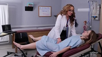 Pornstar Lesbian Pussy Licking MILF Doctor With Richelle Ryan And Paige Owens